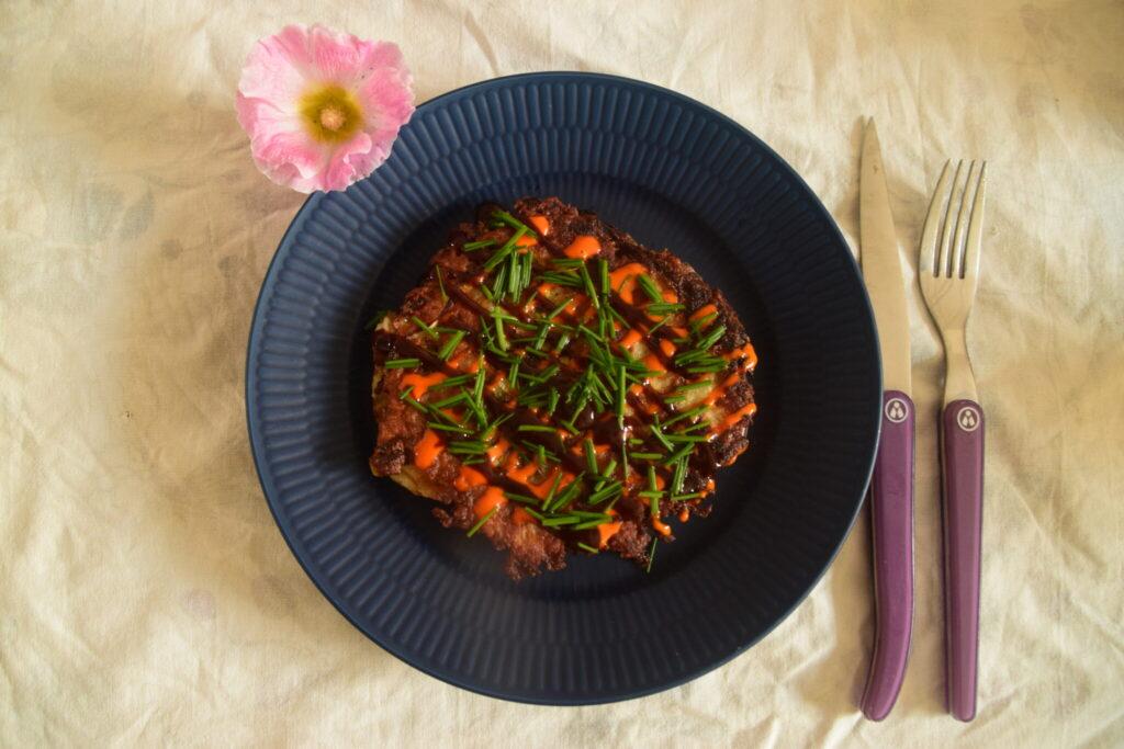 Okonomiyaki - Sund og lækker fastfood - Der er nem at lave. Her er mit bud, på denne smagfulde japanske ret.