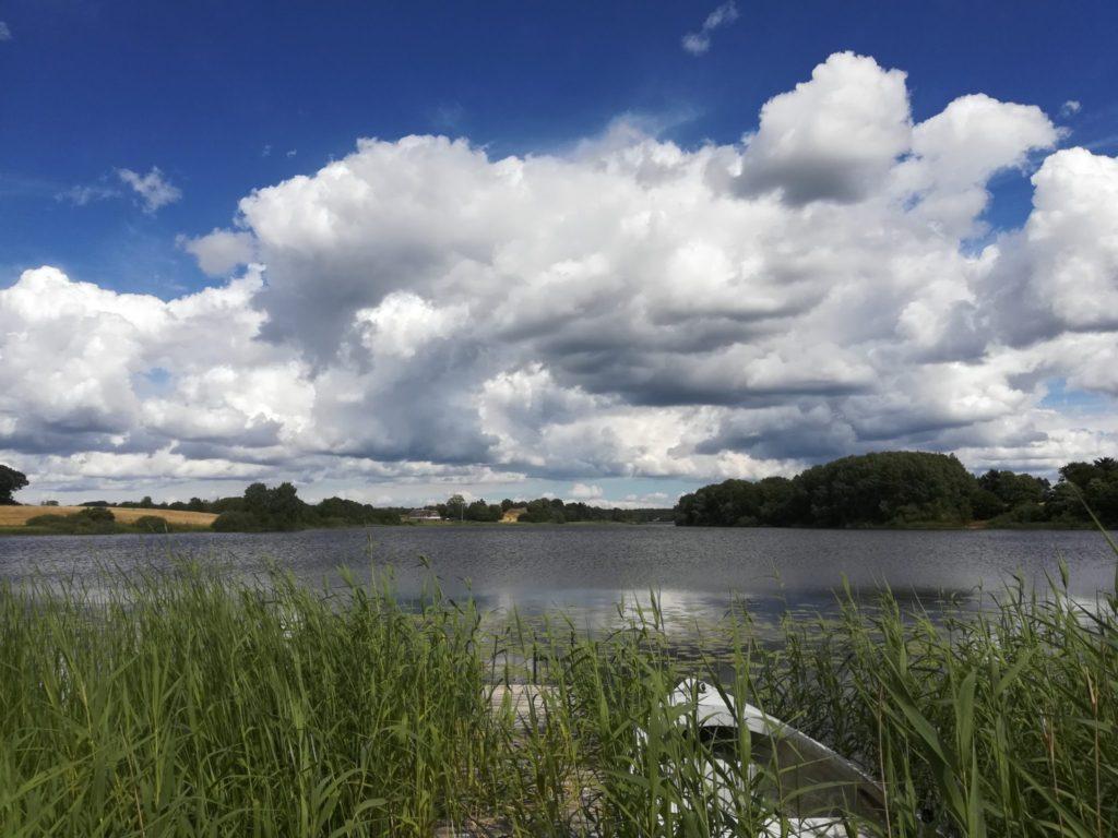 Øvre Mølle ådal. Udsigt over Bastrup sø. En skøn Naturoplevelse.
