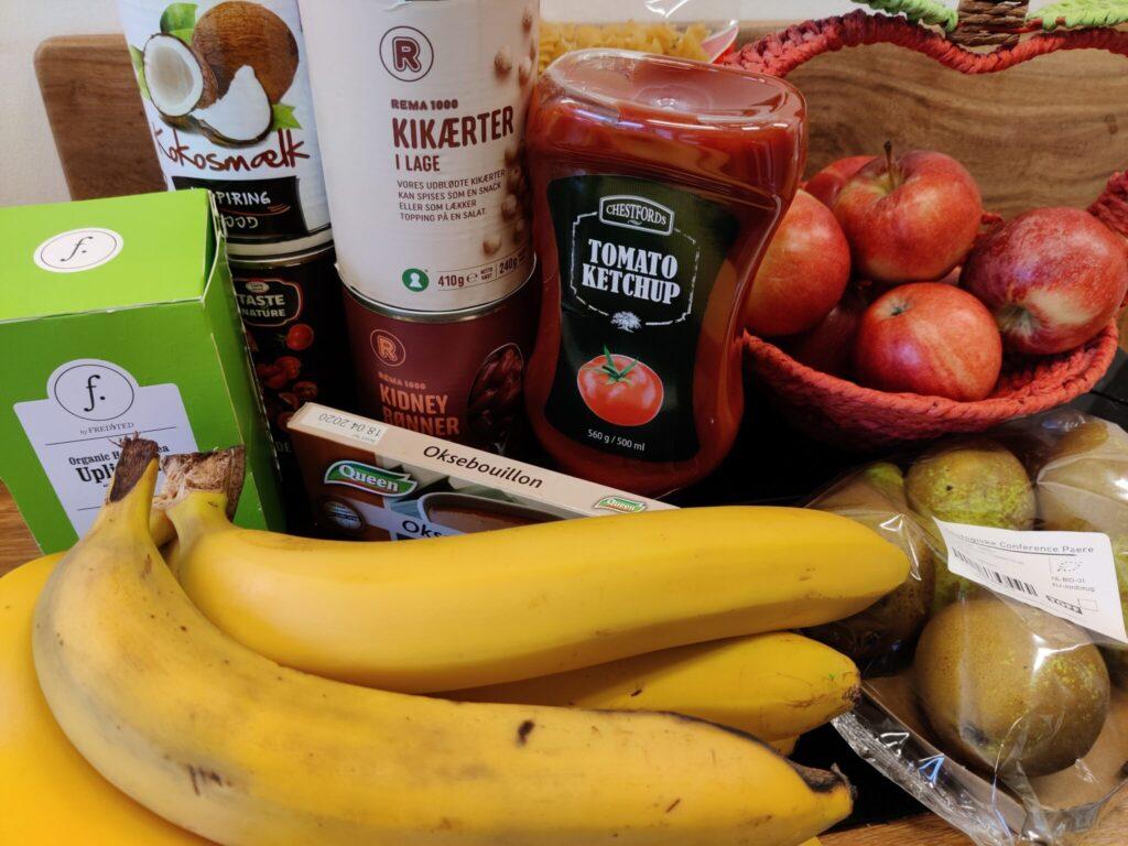 Køb kun ting du har brug for. Lav en madplan og indkøbsliste - og hold dig til den når du handler. 10 tips til at leve bæredygtigt og spare på jordens ressourcer. Hverdagsaktivisme. Ildfugl.com